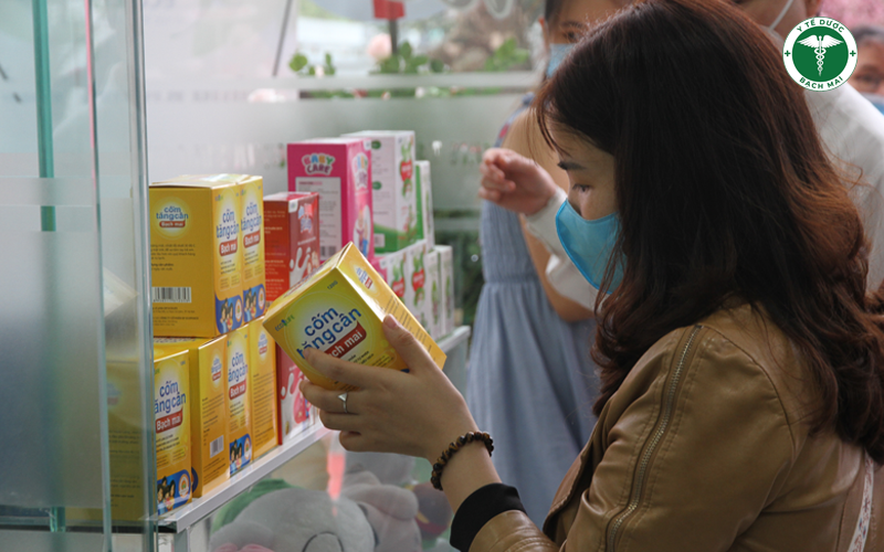 Cốm tăng cân Bạch Mai là một trong những sản phẩm được nhiều mẹ quan tâm