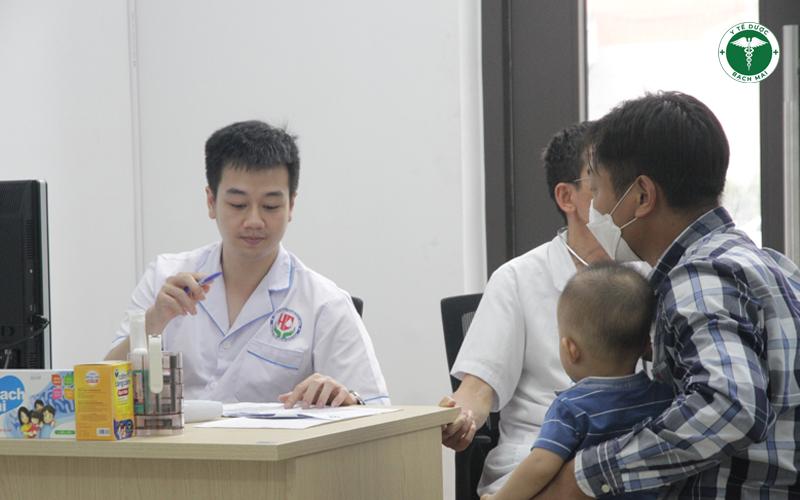 Nhiều trẻ đến khám có dấu hiệu suy dinh dưỡng